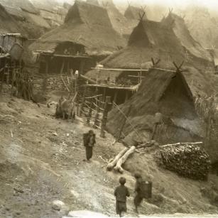 6澜沧景迈茶山大寨,摄于1935年3月29日